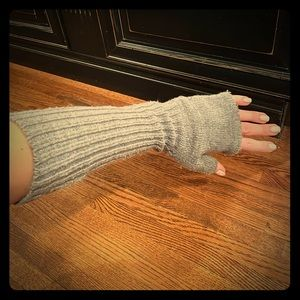 Aqua Arm Warmer Gloves in grey